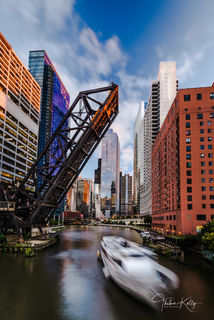 Chicago, Chicago River, river boat, long exposure, bridges, Kinzie Street bridge