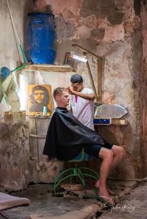Havana, Cuba, barbershop, Ché Guevera, poster, street photography