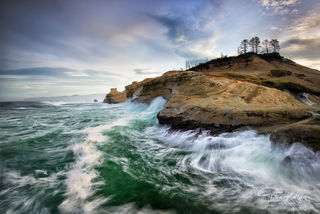 Cape Kiwanda, Cape Kiwanda State Natural Area, Oregon, waves, wave action, enormous waves, landscape